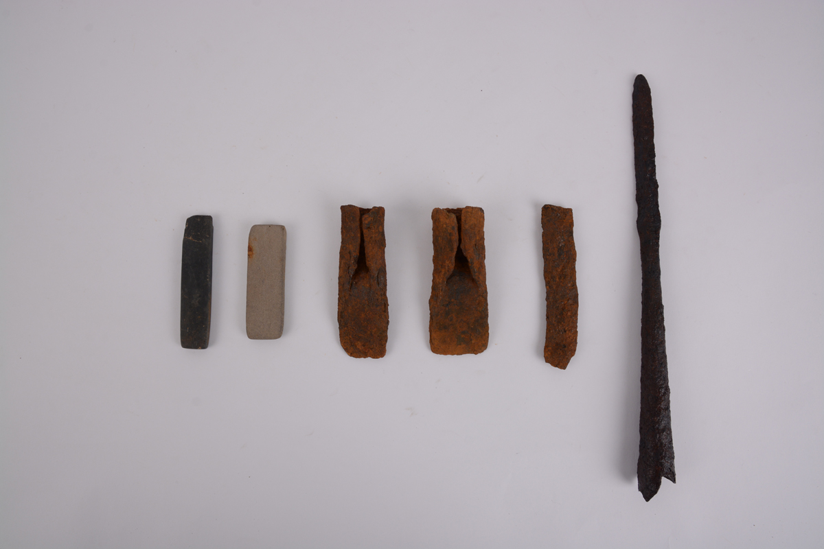 숫돌, 철제 도끼·손칼·창